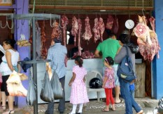 A family outing at the meat market - Jinotega