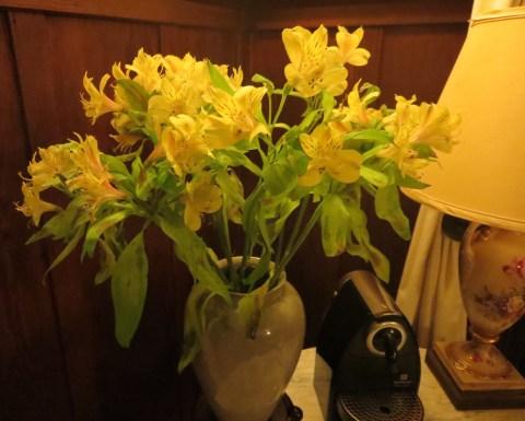 Fresh flowers at the Cowper Inn