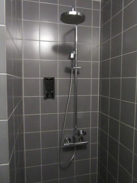 A nice non-plastic shower