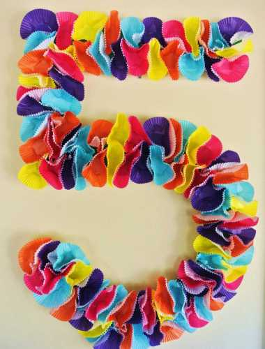 How to Make a Cupcake Liner Wreath