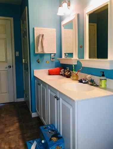 DIY Disney Finding Dory Themed Bathroom