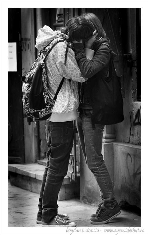 street-kiss1