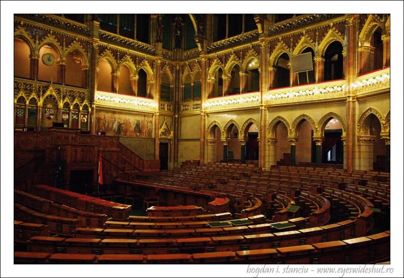 hungarian-parliament-building 04
