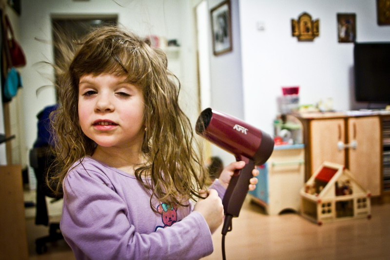 hairdryer girl uscator de par