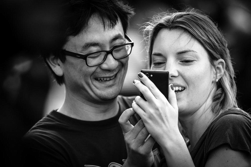 couple-asian-european-selfie