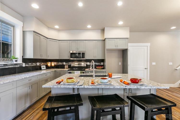 778 S Wrangler Ct Kitchen
