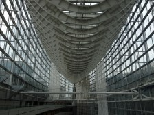 The ceiling of the Tokyo International Forum looks like the hull of a ship.