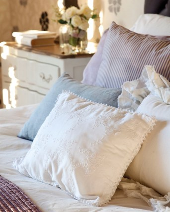 New cushions and fabrics to refresh your bedroom