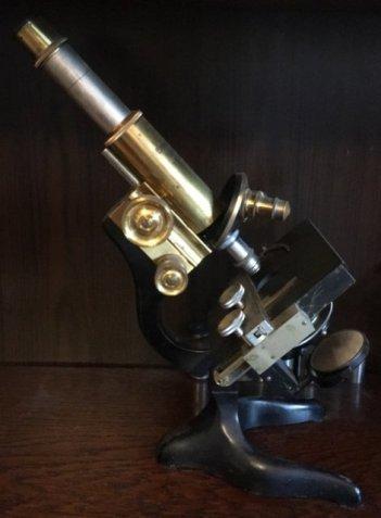 Mikroskop-06-Leitz-Wetzlarmikroskop