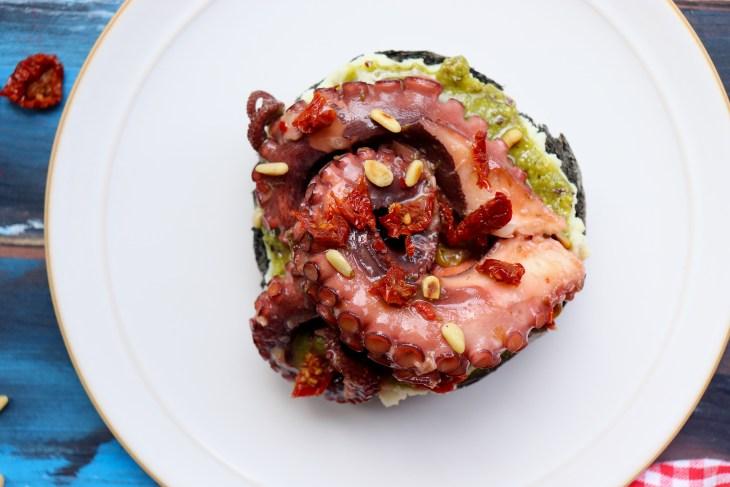 ricetta-panino-pesto-e-polpo-pinoli