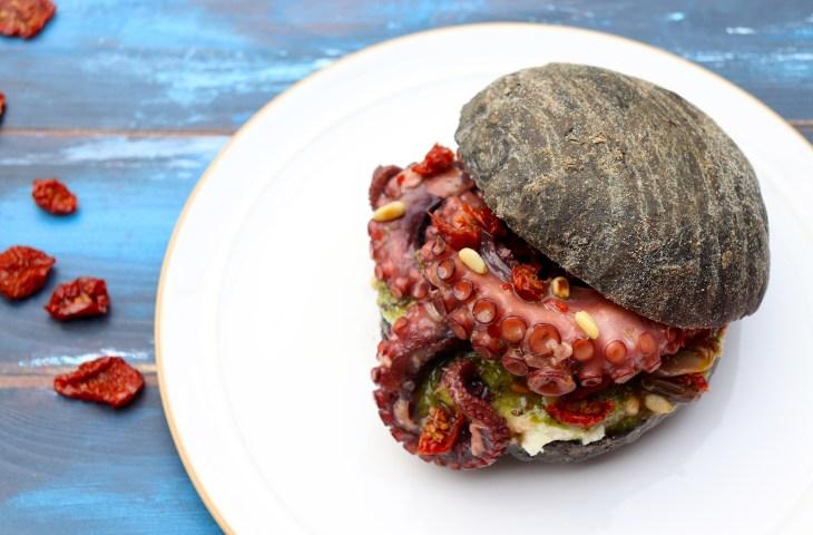 ricetta-panino-pesto-e-polpo