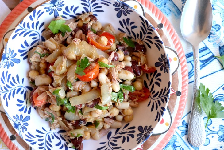 ricetta-insalata-tonno-e-cipolle-al-coriandolo