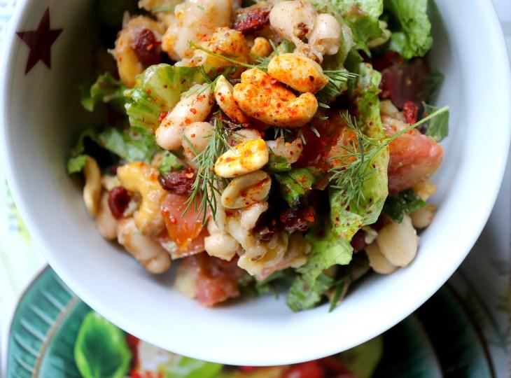 insalata-estiva-con-frutta-secca-e-fagioli