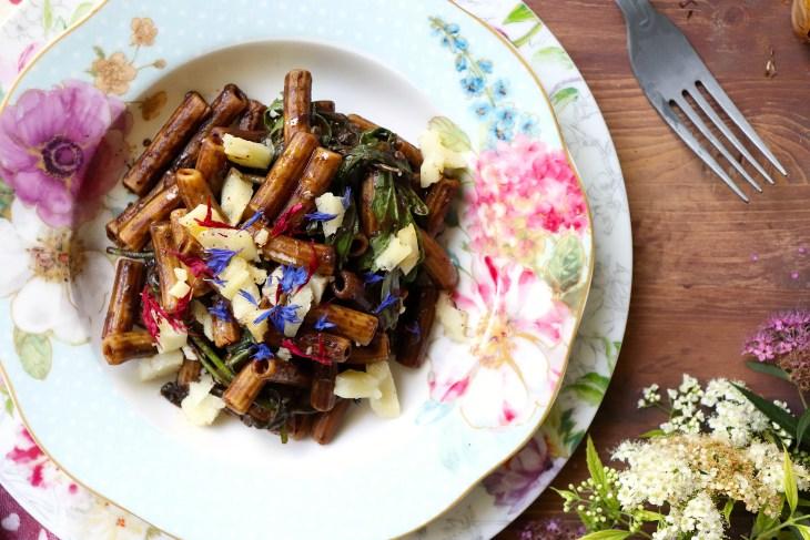 ricetta-pasta-senza-glutine-con-aglio-nero