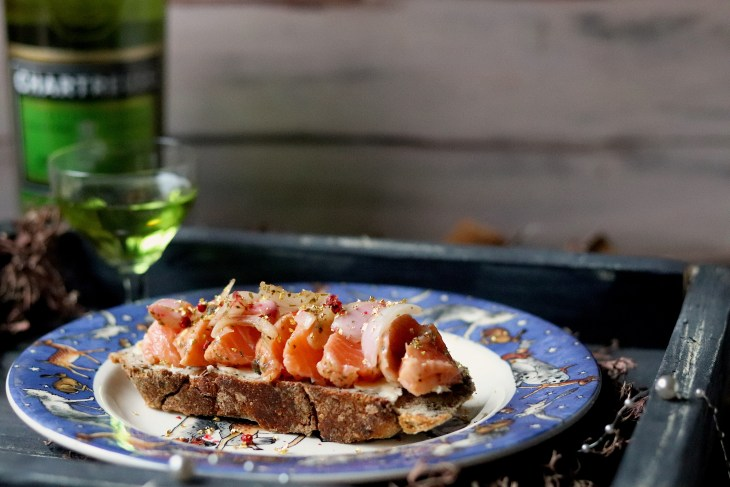 salmone-marinato-con-liquore-chartreuse