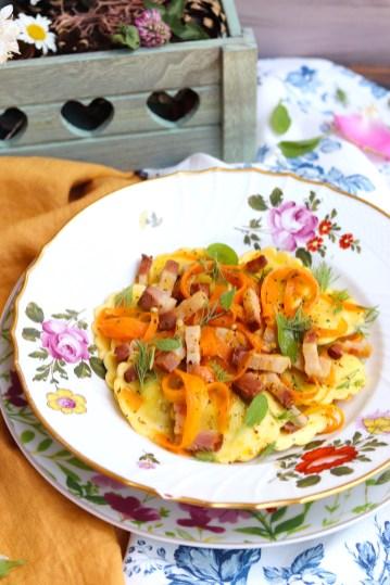 girasoli agli asparagi con carote e pancetta