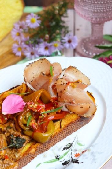 ricetta-crostone-ai-funghi-e-lonzino