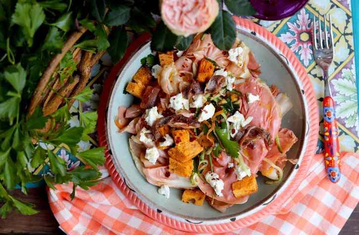 insalata con radicchio rosa e acciughe