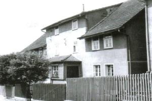Das Haus von Bürgermeister Manfred Schaub auf Seite 102 der Broschüre (Foto: privat/nh)