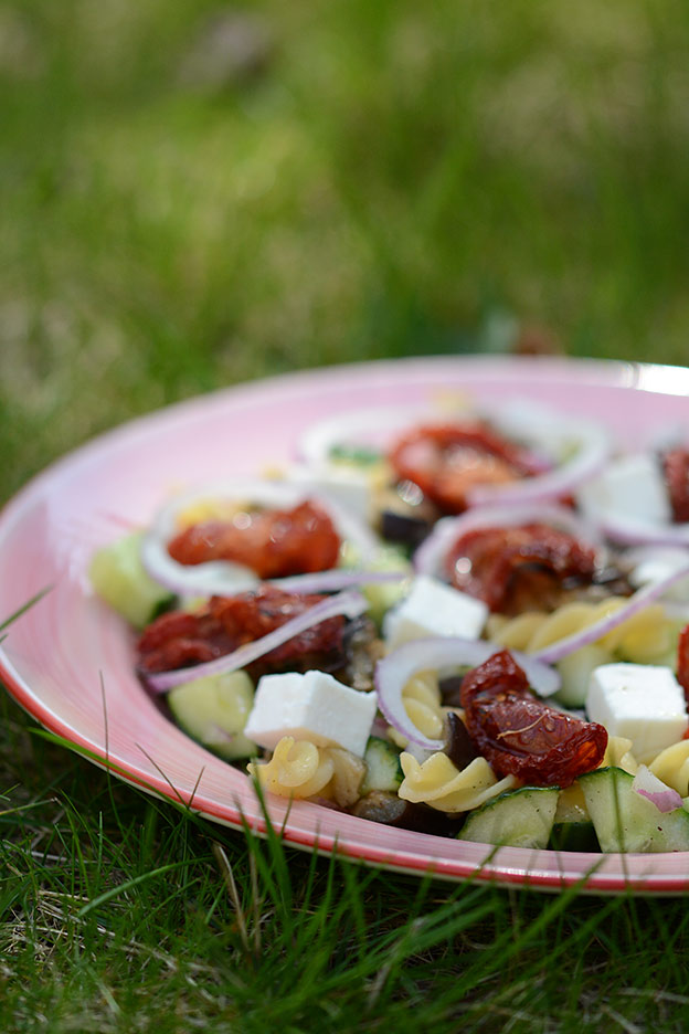 Pasta salad with slow-roasted tomatoes, aubergine and feta cheese
