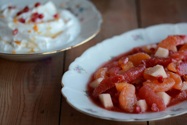 Citrus salad with Greek yogurt