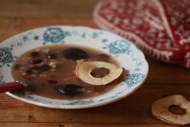 Dried fruit soup with barly
