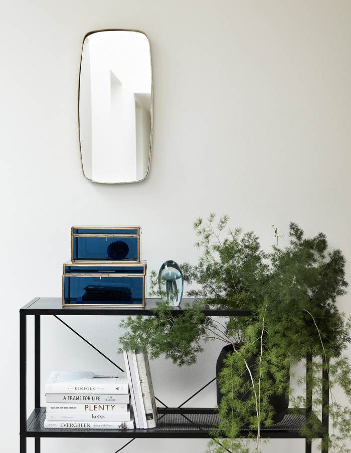 Hübsch Medium Black Rounded Plant Pot, Ceramic