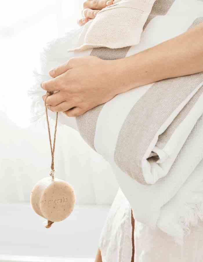 Sesame Scrub Soap String, Meraki