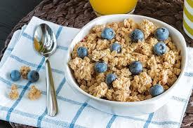 petit déjeuner céréales et myrtilles