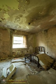 The abandoned Martin Inn