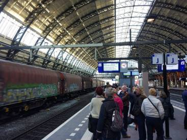 Amsterdam Centraal - which way to go?