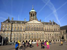 Dam square, just me and the Asians.