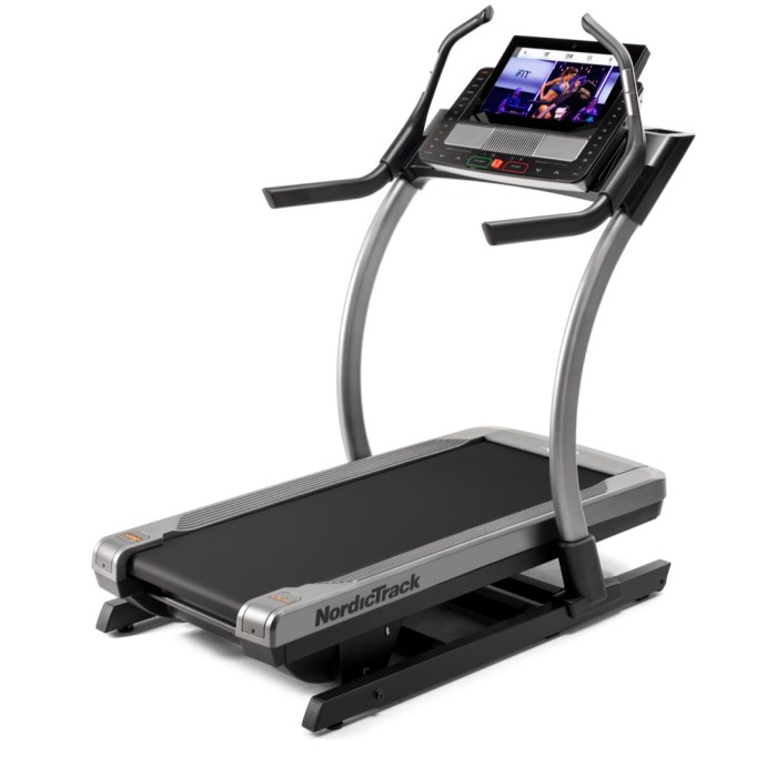nordictrack x22i vs x32i incline trainer comparison