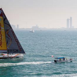 Team Abu Dhabi Ocean Racing - Zieleinlauf für die Drittplatzierten der zweiten Hochsee-Etappe von Kapstadt nach Abu Dhabi. Bild: Volvo Cars.