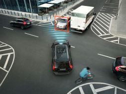 Volvo City Safety mit Kreuzungsassistent. Bild: Volvo Cars.