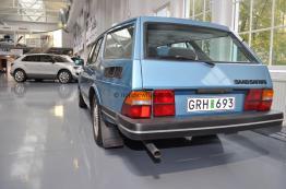 Seltener Saab 900 Safari und 9-4x Studie