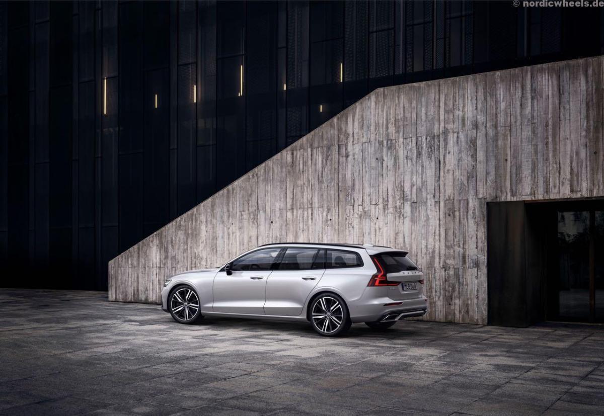 Volvo V60 R-Design ab November