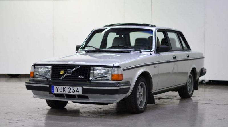 Seltener Volvo 244 Turbo in der Herbstaktion von Bilweb