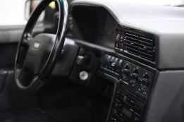 Der schnelle Volvo steht in Göteborg zum Verkauf