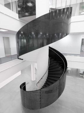 Das Gebäude befindet sich auf dem Campus der Volvo Car Gruppe
