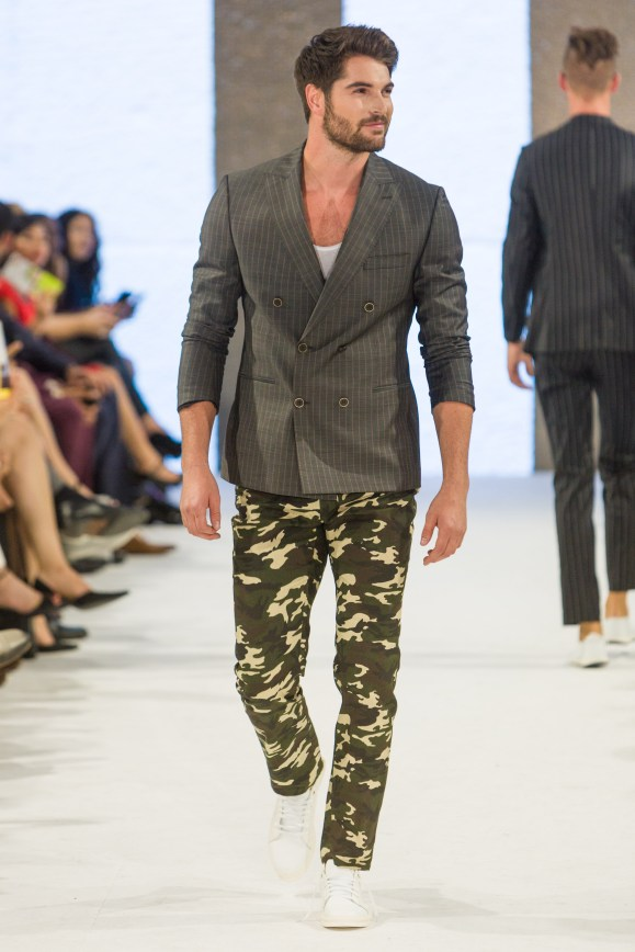 shayne-gray-TOM-aug-20-runway-Dalla-1194
