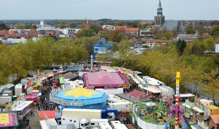 Herbstkirmes in Nordhorn bietet fünf Tage Spaß - Beliebtestes Volksfest der Region auf dem Neumarkt und verkaufsoffener Sonntag Foto: Stadt Nordhorn