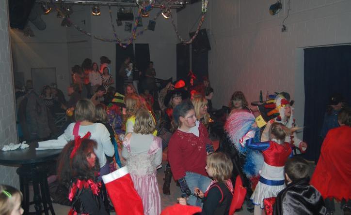 Karnevalsparty im Jugendzentrum - Auf eine tolle Party freut sich die Party Crew. Foto. Stadt Papenburg