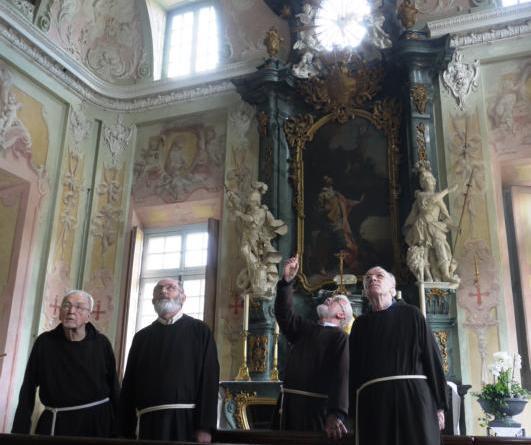 Sögel. Am Dienstag, den 3. April, lädt Pater Edmund um 15 Uhr zu einem gemeinsamen Rundgang durch die Clemenswerther Schlosskapelle ein. Foto: Schloss Clemenswerth