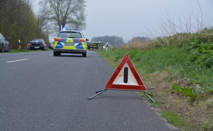 Aktuell Verkehrsunfall mit 3 PKWs auf der Geester Straße - Automatischer Notruf löst aus. Foto: NordNews.de