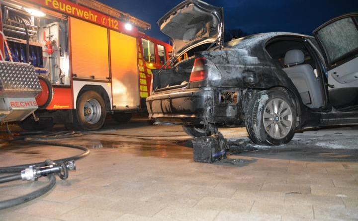 Groß Hesepe 3er BMW geriet während der Fahrt in Brand Foto: NordNews.de Übersicht