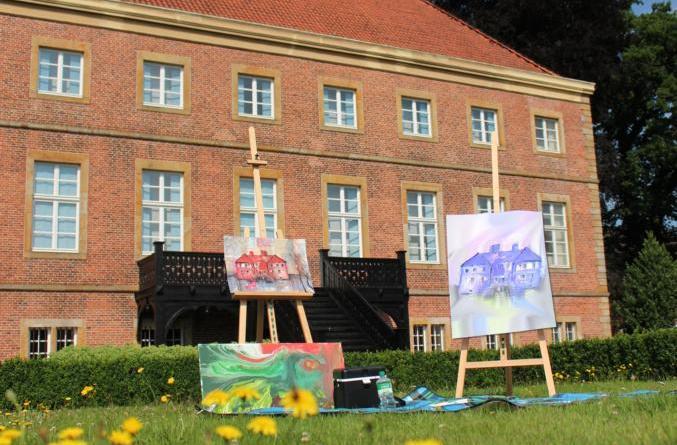 """Zinnober unterwegs – Plein-Air-Malerei - Am Samstag, 23. Juni, widmen sich die Teilnehmer des Workshops """"Plein-Air-Malerei"""" dem spannenden Malen und Zeichnen in der freien Natur. Foto: Papenburg Kultur"""
