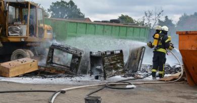 Geeste - Dalum: Brand auf einem Schrottplatz Foto: NordNews.de