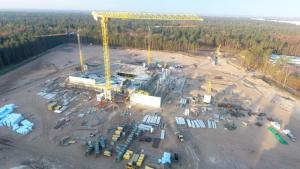 Baufortschritte beim BP Lingen Gebäudekomplex - Ende des Jahres ziehen die ersten Mitarbeiter um - Die Baustelle im August mit Blick von der Waldstraße Foto: BP