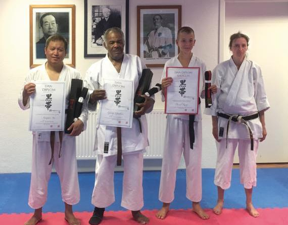 Schwarzgurt-Prüfungen für Karateka des Karatezentrum Meppen. Foto: Jürgen Christoffers